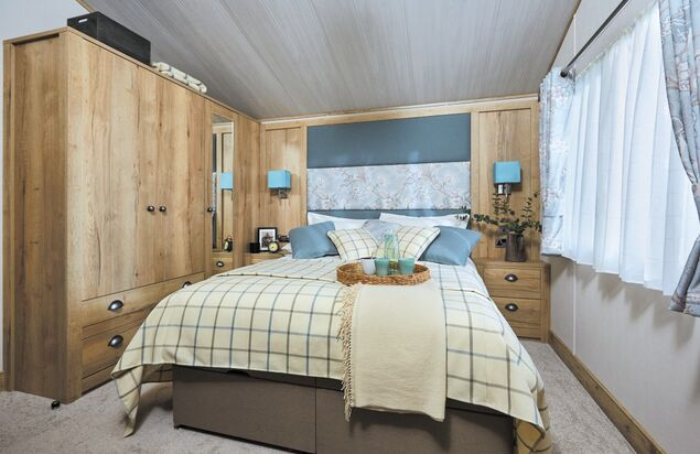 - Larch Lodge Plus