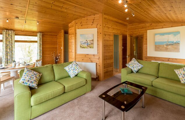 - Maple Lodge Plus (2 Bedroom + Hot Tub)